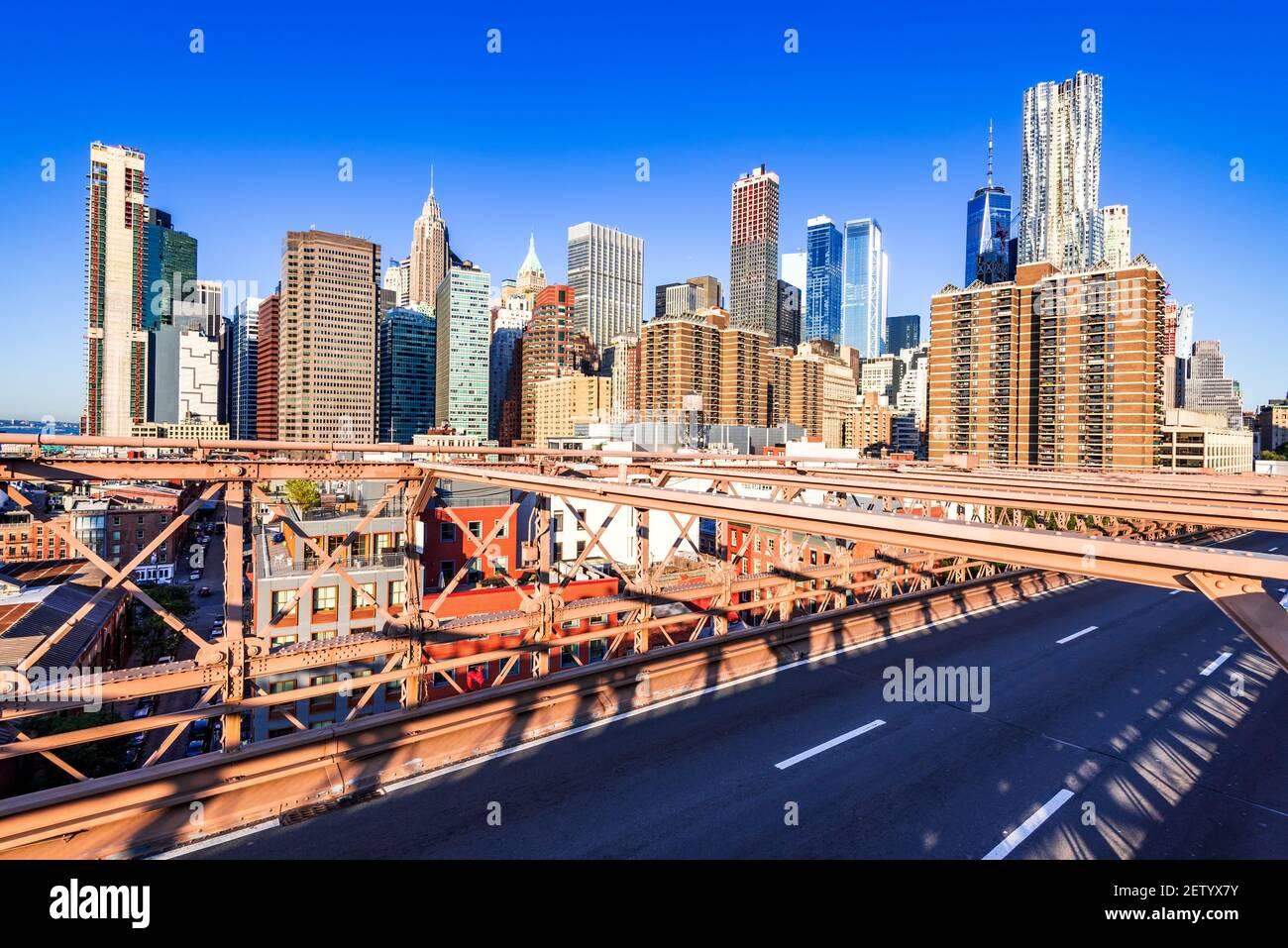 New York, Brooklyn Bridge - Centre-ville de Manhattan, New York, paysage architectural de la ville aux États-Unis d'Amérique. Banque D'Images