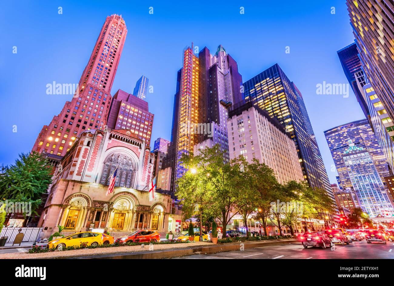 New York, Etats-Unis - septembre 2019 : célèbre 5th Avenue à Manhattan, New York City aux Etats-Unis d'Amérique Banque D'Images
