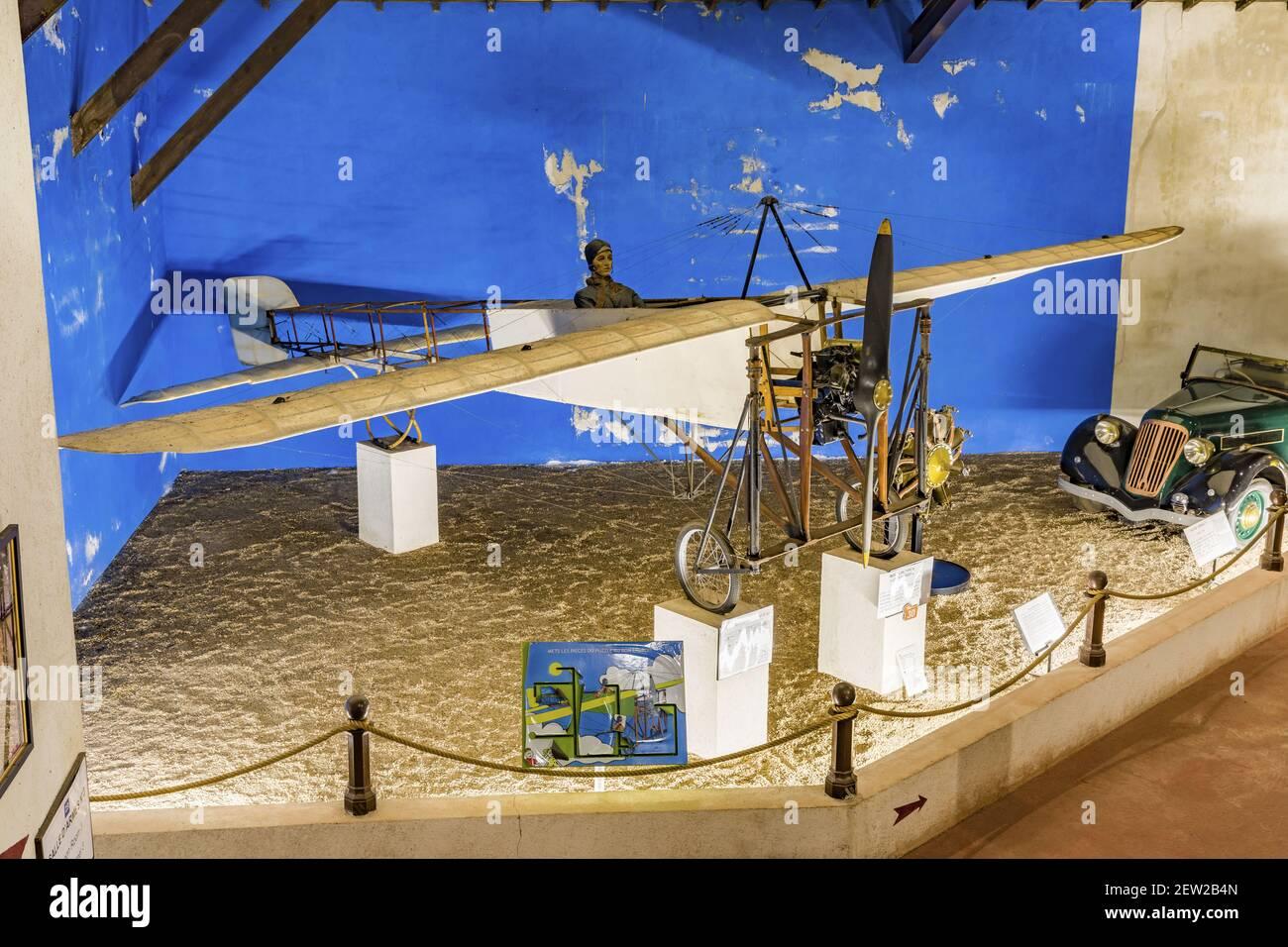 France, Indre et Loire, vallée de la Loire classée au patrimoine mondial par l'UNESCO, Azay-le-Rideau, musée Maurice Dufresne, le musée Maurice Dufresne abrite une impressionnante collection de véhicules, de machines et d'objets inhabituels sauvés de la destruction pendant plusieurs décennies par un récupérateur de métal de type monoplan XI Louis Blériot Banque D'Images