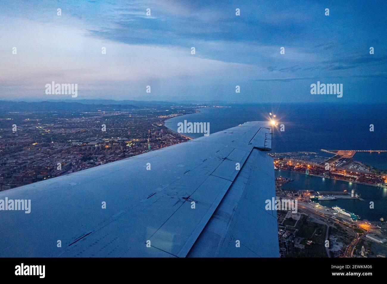 Vol au-dessus de la ville de Valence dans un avion, espagne Banque D'Images