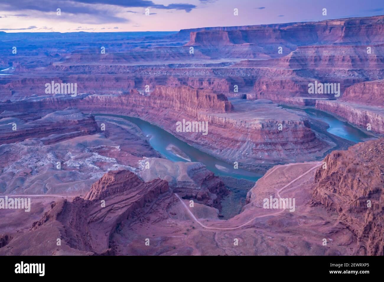 Vue sur le Canyon depuis le parc national Dead Horse point, Utah, États-Unis d'Amérique, Amérique du Nord Banque D'Images