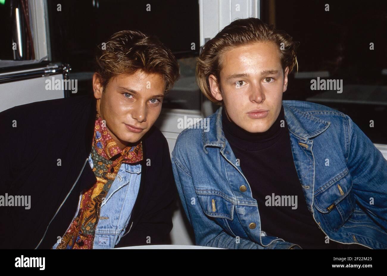Prominenz auf der IFA in Berlin, Deutschland 1989, hier: Musiker Fabian Harloff und Schauspieler Hendrik Martz Banque D'Images