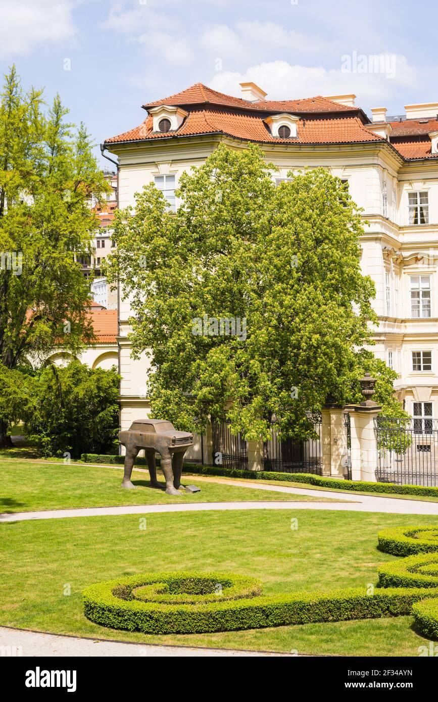 Géographie / voyage, Tchéquie, Bohême, au verso de l'ambassade allemande avec Gartengelaende, Palais Lobkowitz, Prague, Tchéquie, CZE, Liberté de panorama Banque D'Images