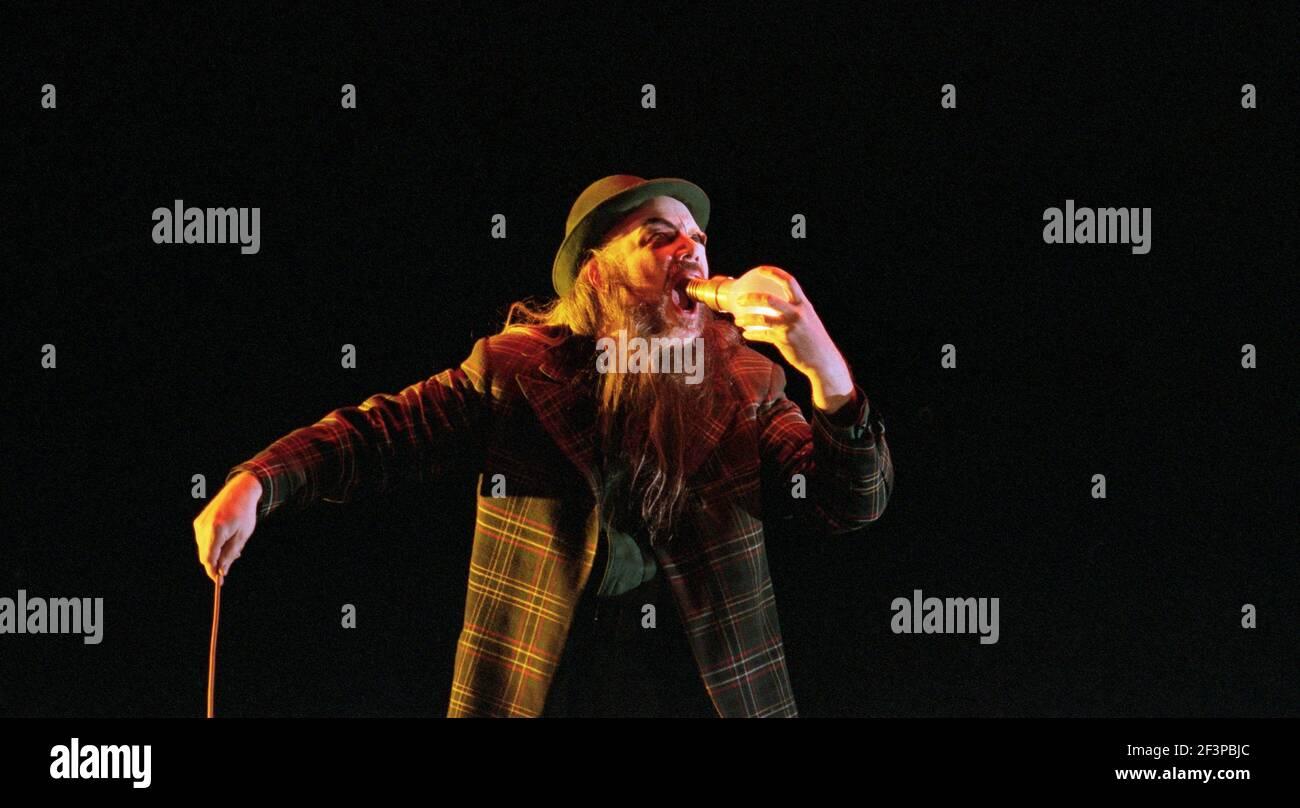 John Tomlinson (Wotan / The Wanderer) à SIEGFRIED par Wagner au Royal Opera, Covent Garden, Londres WC2 27/03/1995 chef d'orchestre: Bernard Haitink design: Nigel Lowery éclairage: Pat Collins mouvement: Matthew Hamilton directeur: Richard Jones Banque D'Images