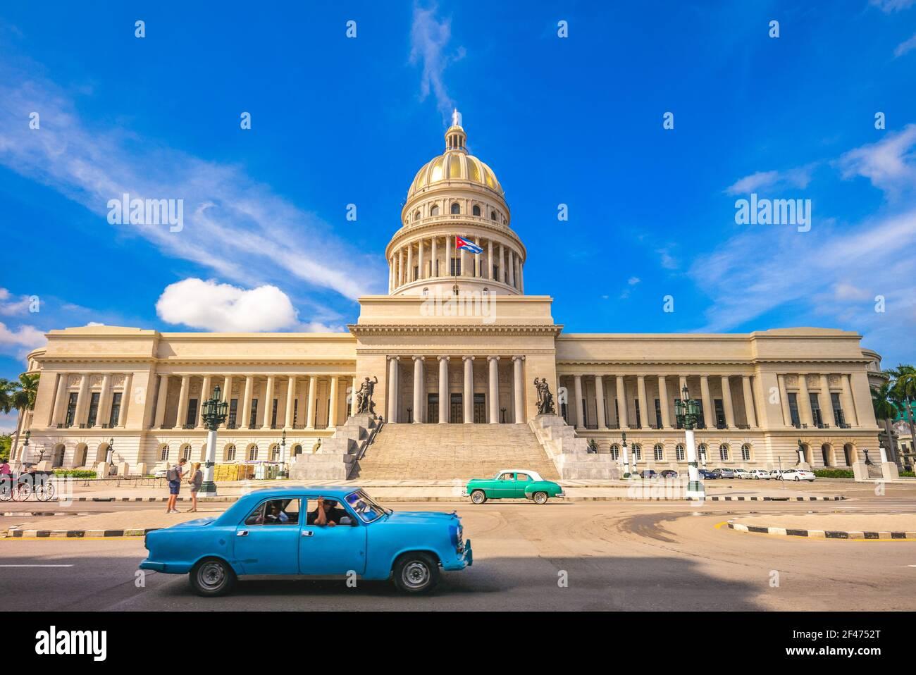 Capitole National et vintage à La Havane, Cuba Banque D'Images