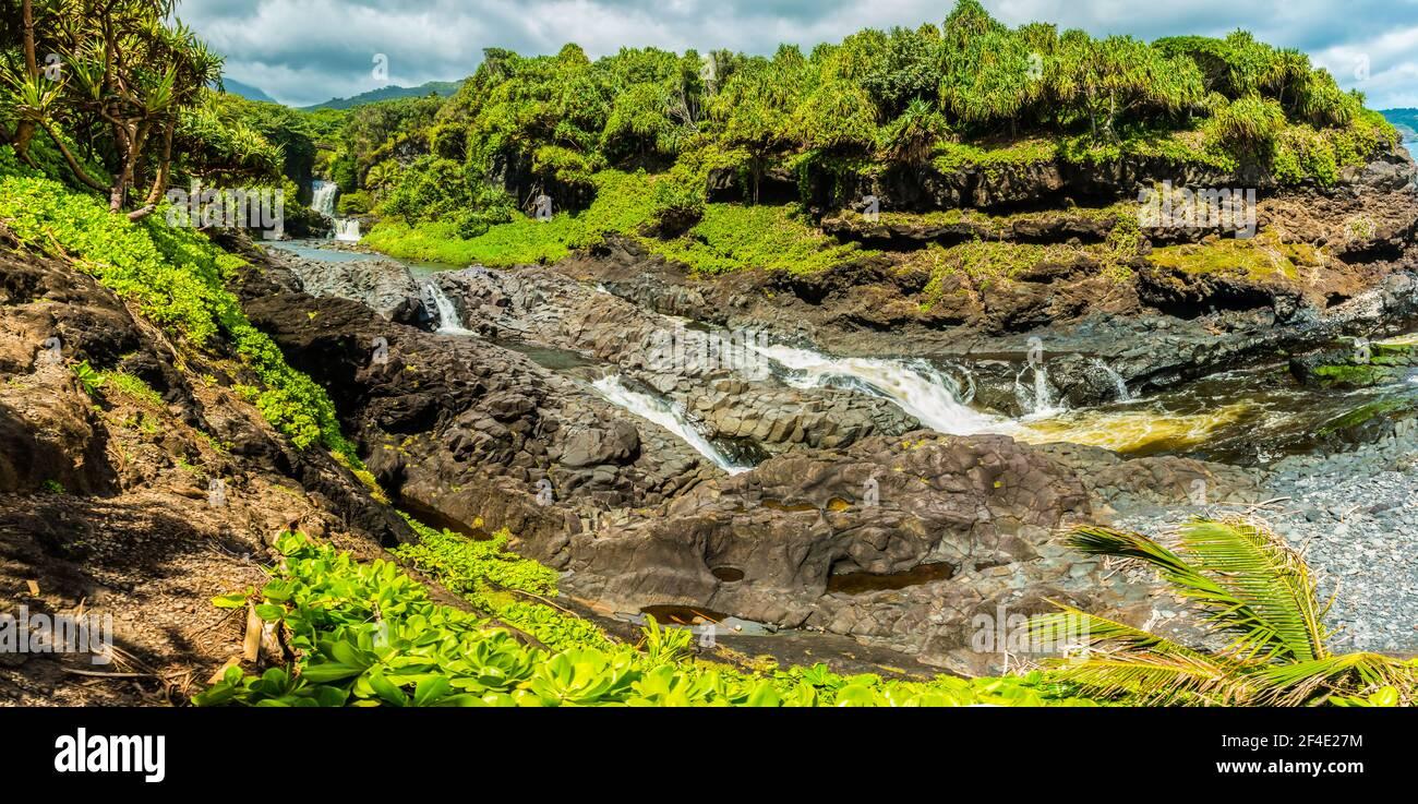 Les piscines d'Oheo Gulch, district de Kipahulu, parc national de Haleakala, Maui, Hawaii, ÉTATS-UNIS Banque D'Images