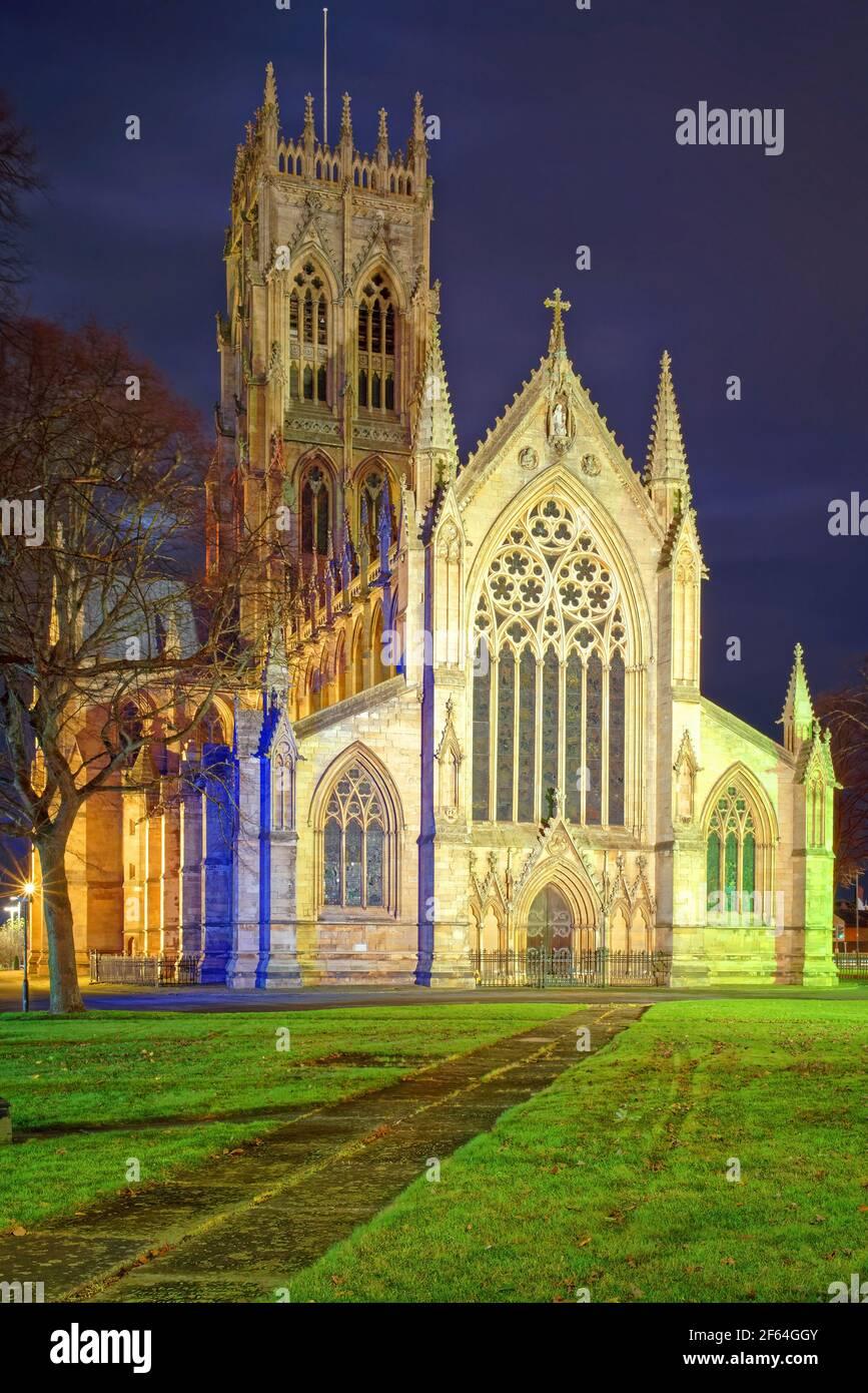 Royaume-Uni, Yorkshire du Sud, Doncaster, église St George la nuit Banque D'Images