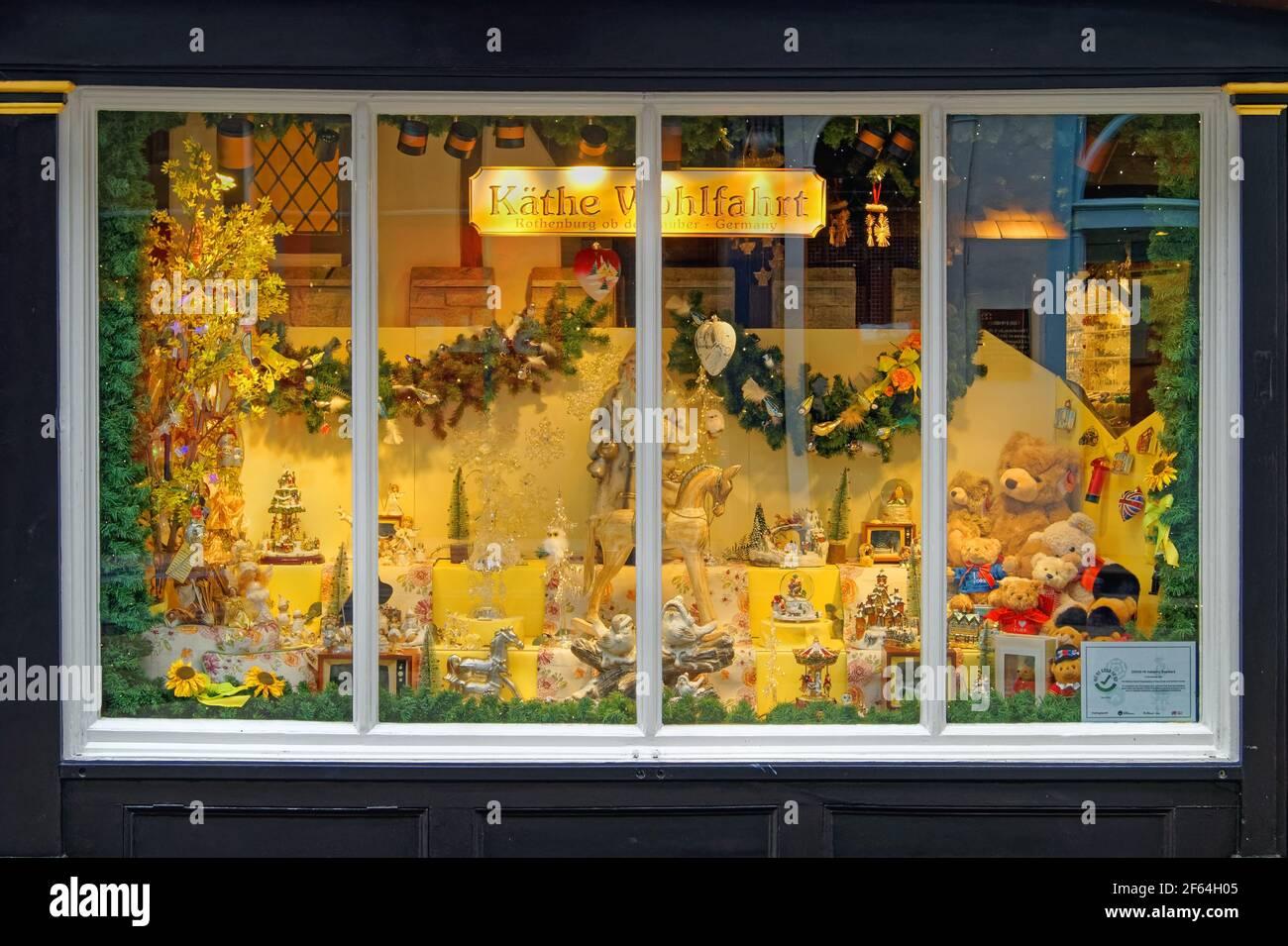 UK,North Yorkshire,York,Kathe Wohlfahrt vitrine de magasin sur Stonegate. Banque D'Images