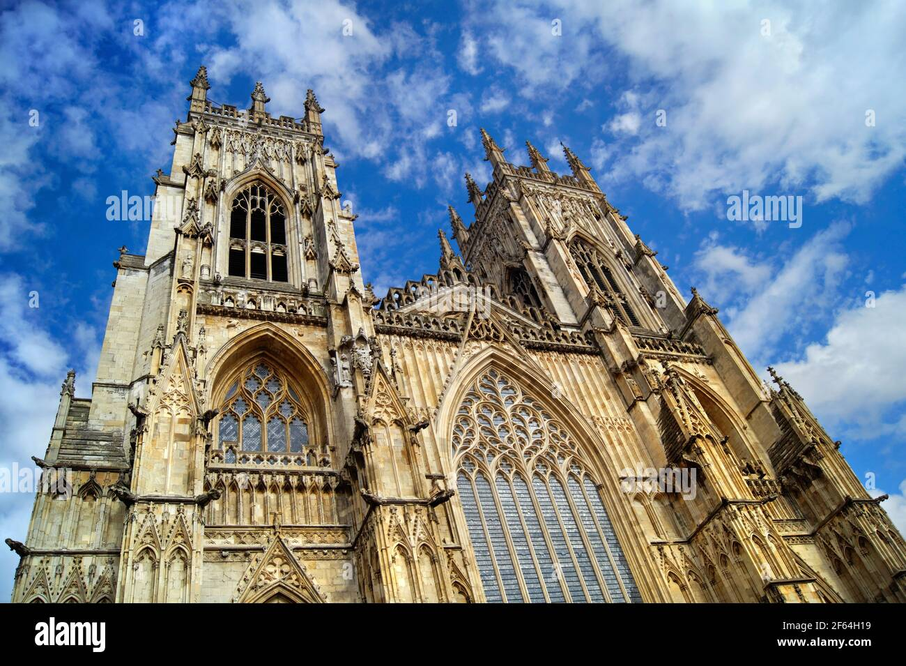 Royaume-Uni, North Yorkshire, York, West Towers et West face of York Minster Banque D'Images