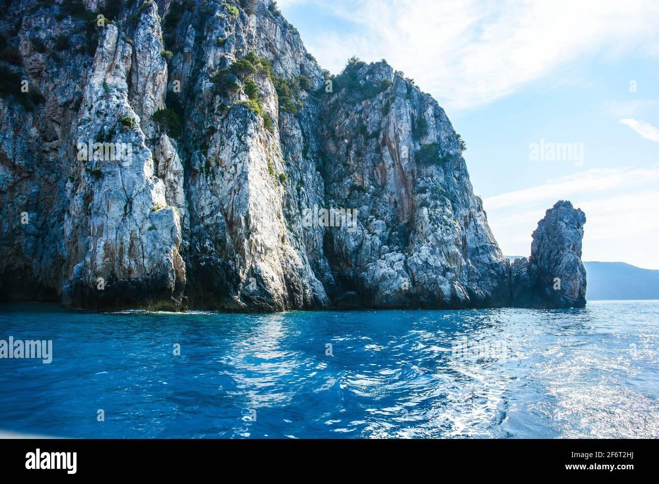 Capo Palinuro et le rocher du dragon ont donc appelé à la forme originale. Banque D'Images