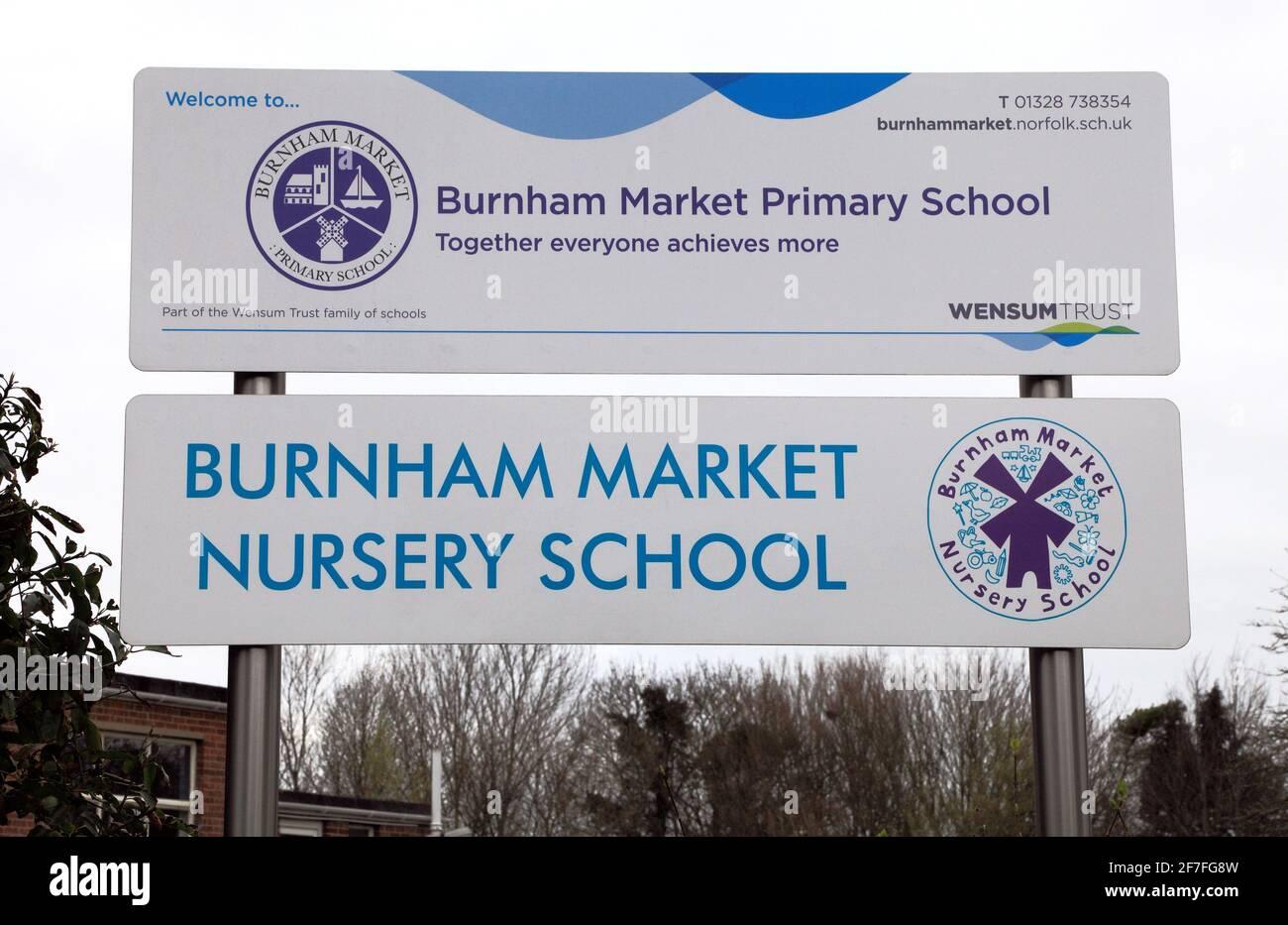 Burnham Market Primary and nursery School, Ecoles, Sign, Norfolk, Angleterre Banque D'Images