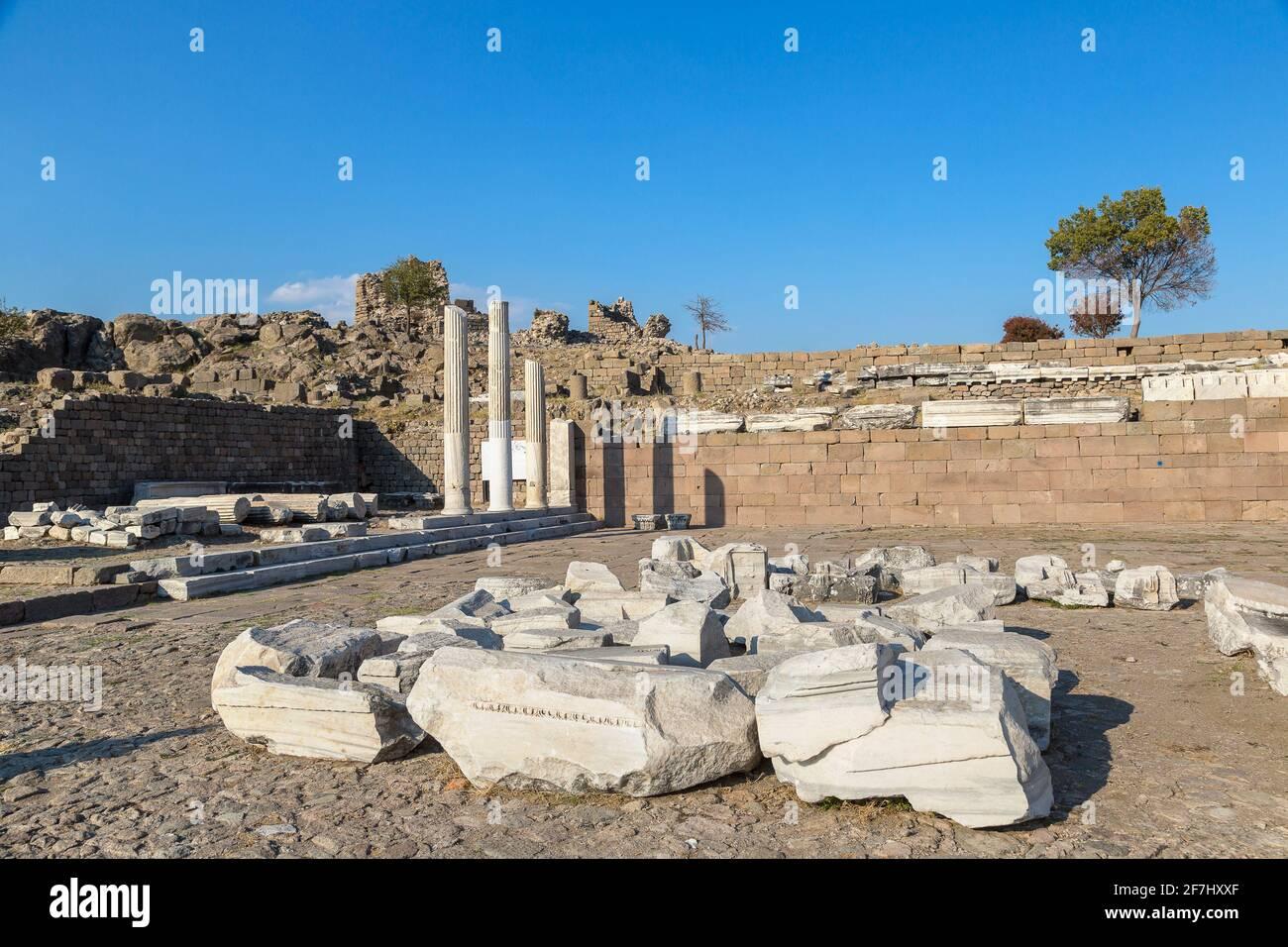 Ruines de la ville ancienne de Pergamon, Bergama, Turquie dans une belle journée d'été Banque D'Images