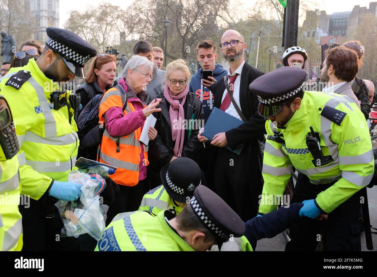 LONDRES - AVRIL 2019 : manifestation de la rébellion contre l'extinction sur le changement climatique à Londres. Banque D'Images