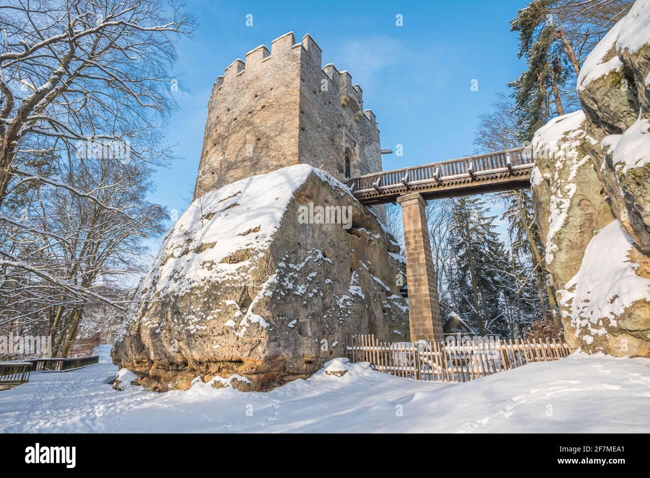 Château médiéval de Kokorin dans le parc national de Kokorinsko à proximité de Prague en République tchèque, en Europe. Banque D'Images