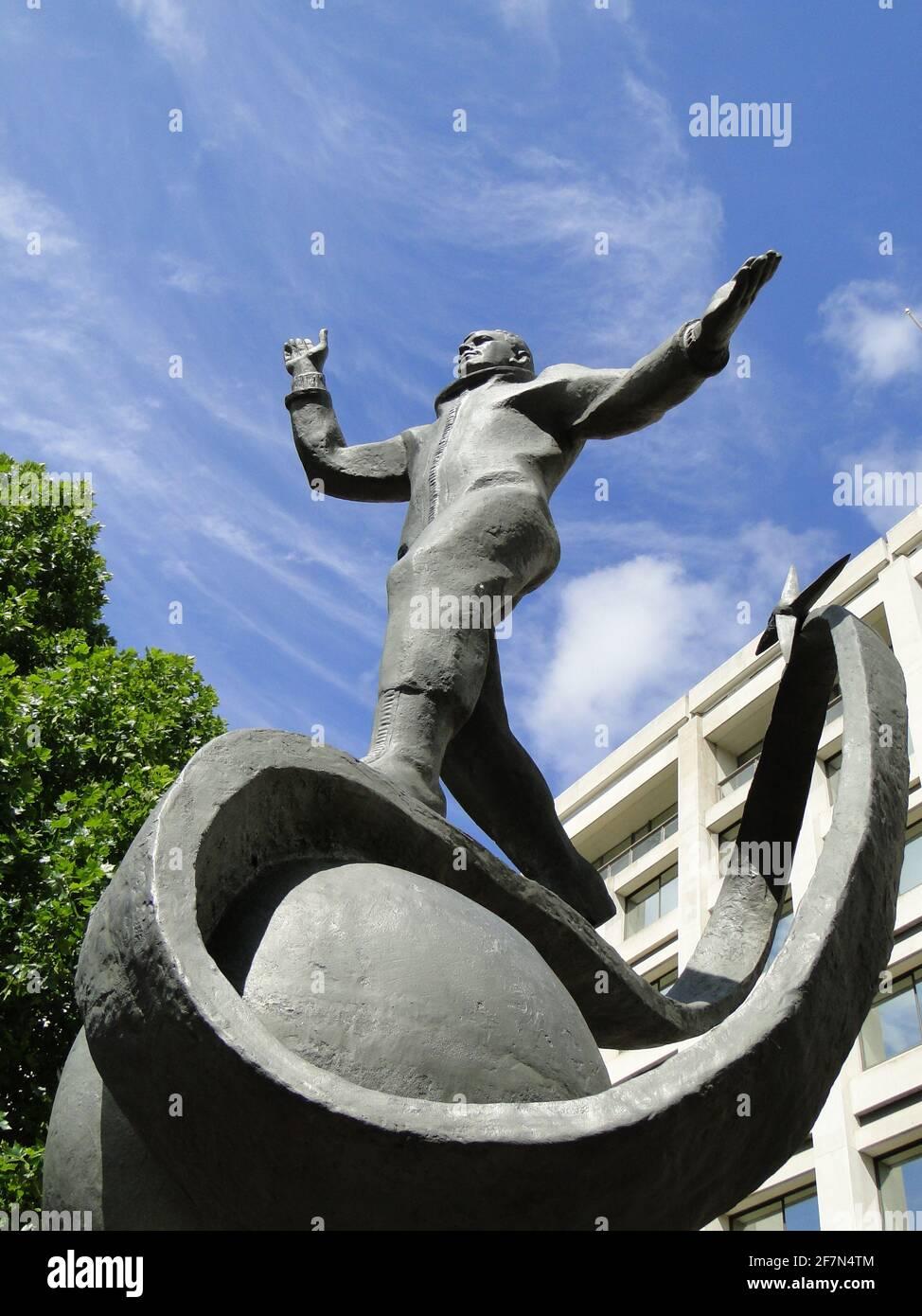 Dévoilement de la statue à Yuri Gagarin - le premier homme dans le cosmos au British Council Building à Londres, Royaume-Uni Banque D'Images