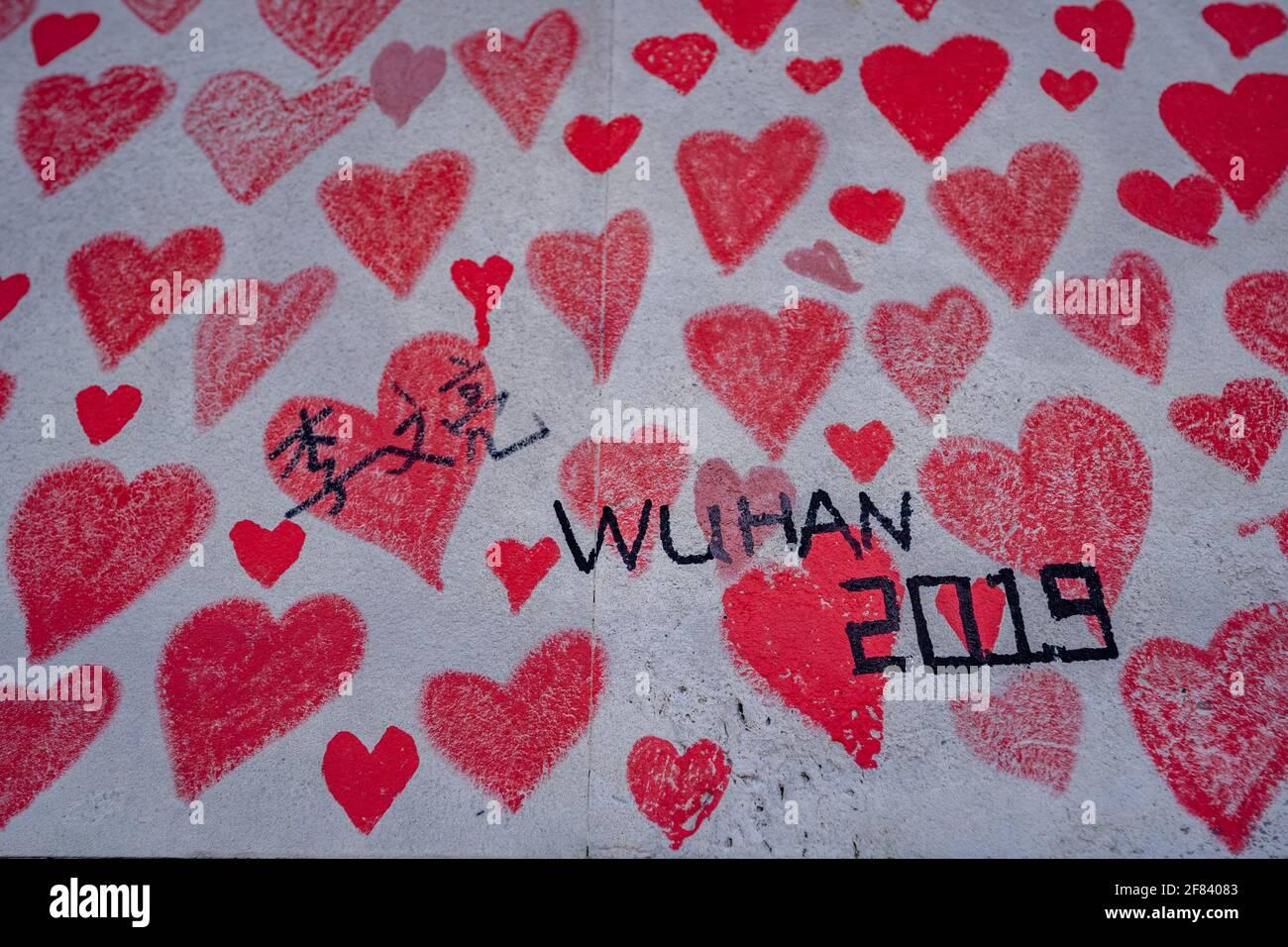 Hommage mural à Li Wenliang, le médecin et le dénonciateur Wuhan qui ont soulevé l'alarme au sujet de l'épidémie de coronavirus en Chine. Londres, Royaume-Uni. Banque D'Images