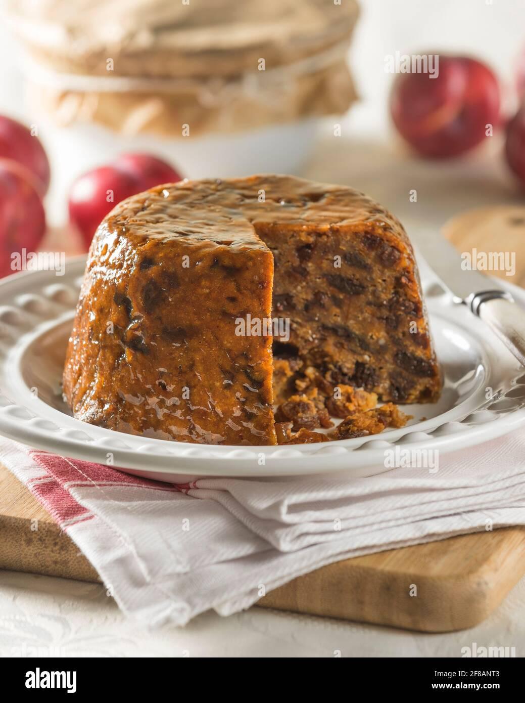 Duff prune. Pudding aux fruits à la vapeur. Cuisine traditionnelle Royaume-Uni Banque D'Images