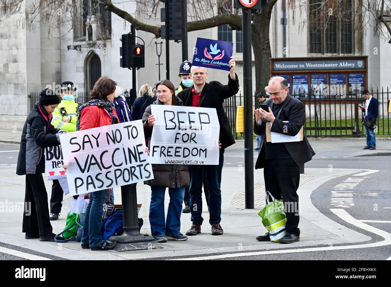 Londres. ROYAUME-UNI. 14/04/2021, manifestation anti-verrouillage, Parliament Square, Westminster, Londres. Crédit au Royaume-Uni : michael melia/Alay Live News Banque D'Images