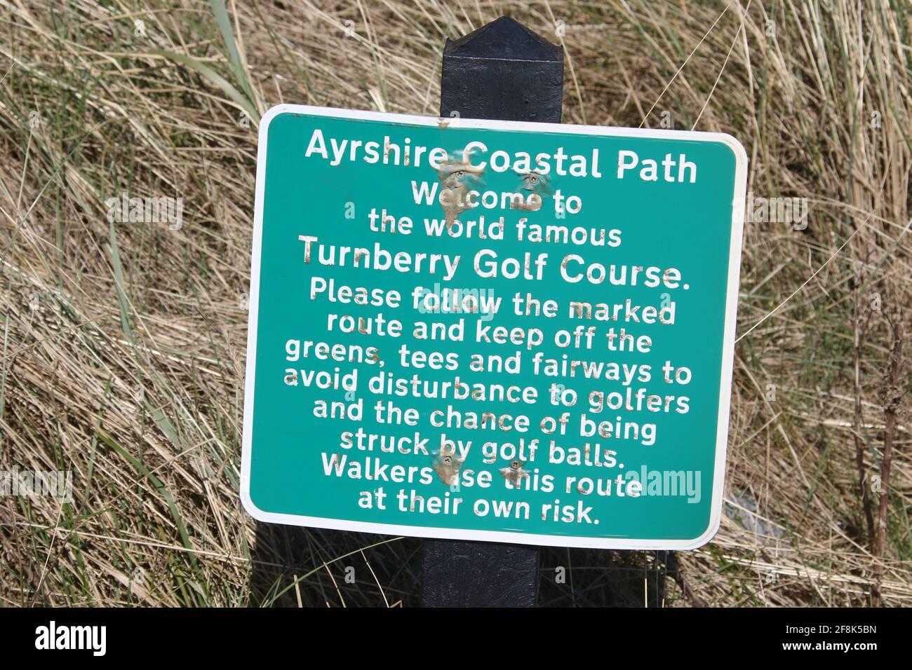 Ecosse, Ayrshire Turnberry . Le sentier côtier d'Ayrshire 12 avril 2021. Panneaux d'avertissement Banque D'Images