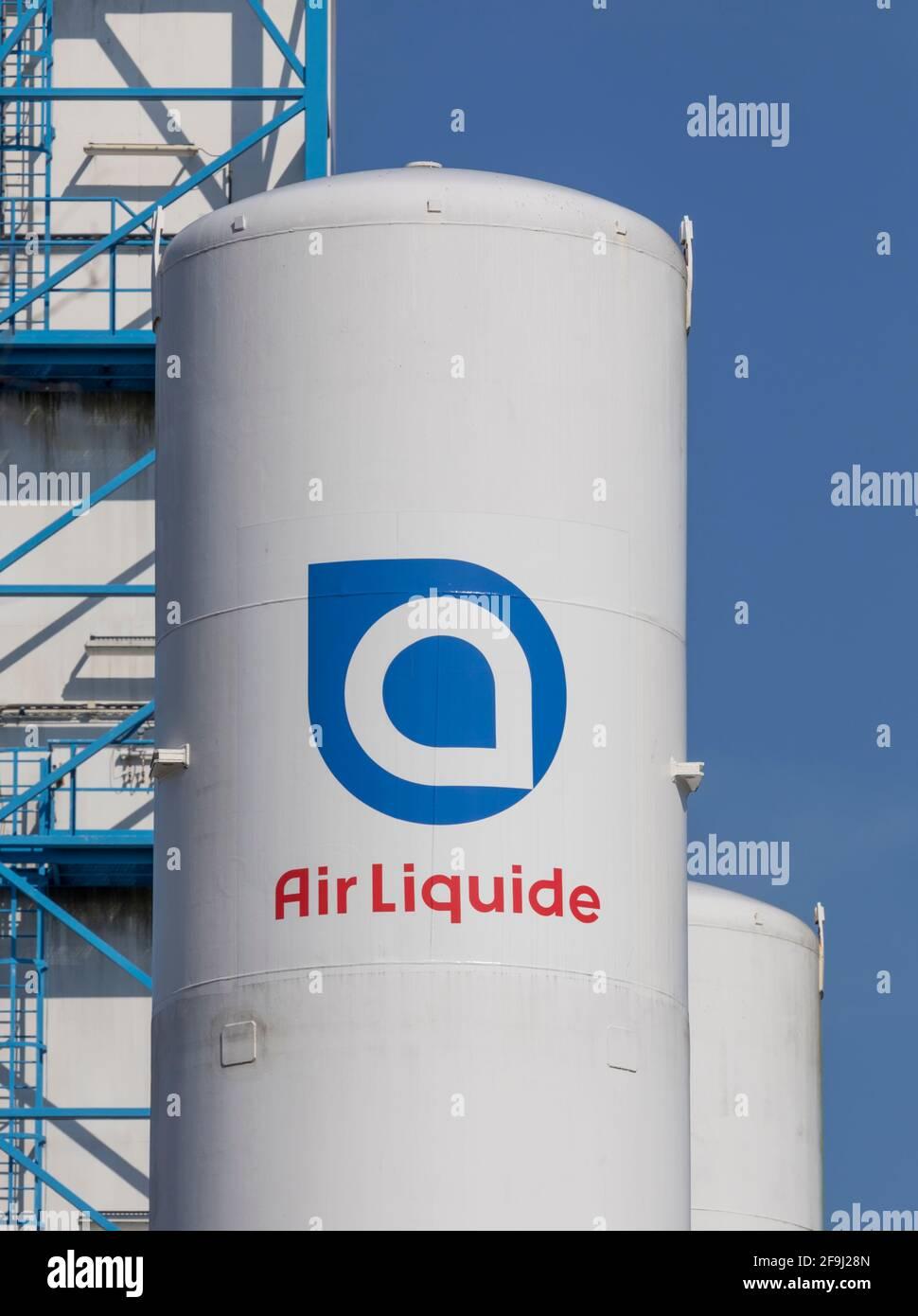 Signalisation Air liquide peinte sur réservoir de gaz à l'usine allemande Banque D'Images