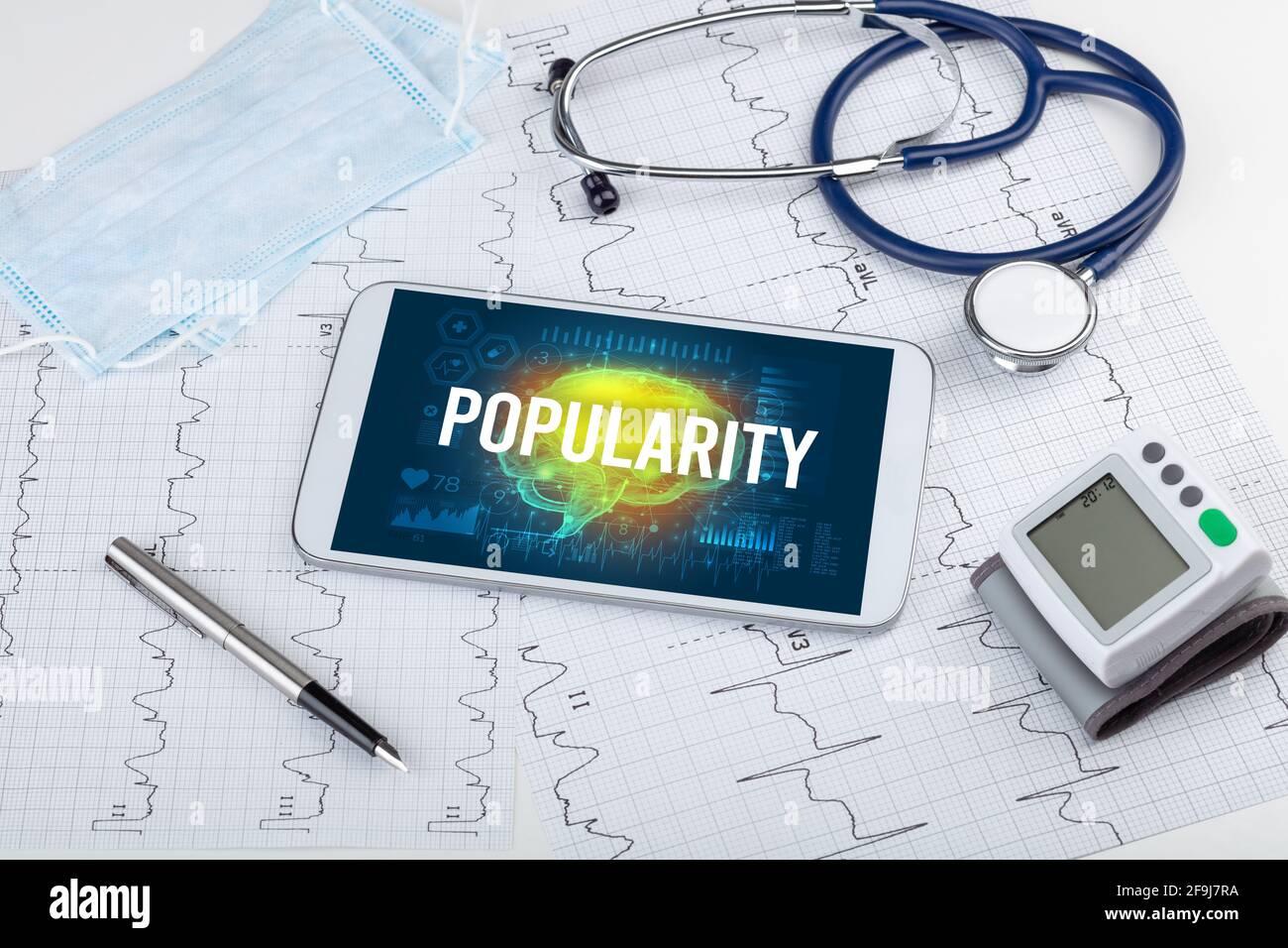 Tablette pc et outils médicaux Banque D'Images