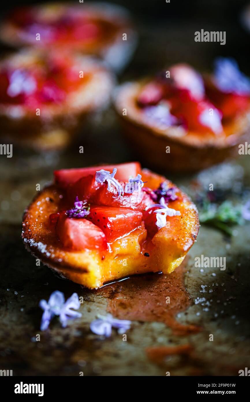 Fraises et sirops de lilas Banque D'Images