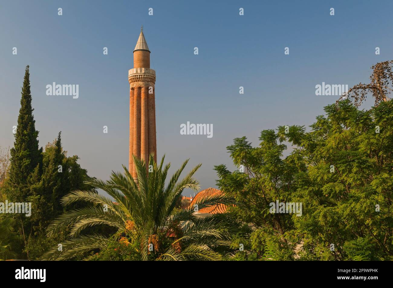 Minaret Yivli Antalya Turquie Banque D'Images