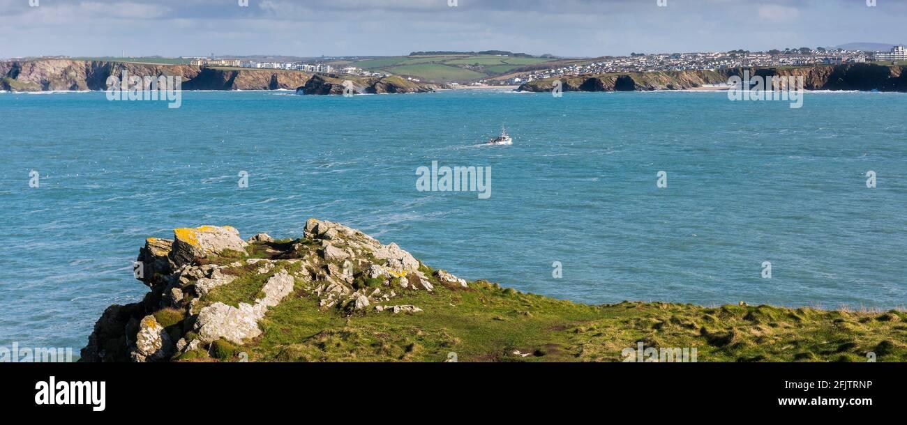 Vue panoramique sur la baie de Newquay depuis Towan Head, sur la côte de Newquay, dans les Cornouailles. Banque D'Images