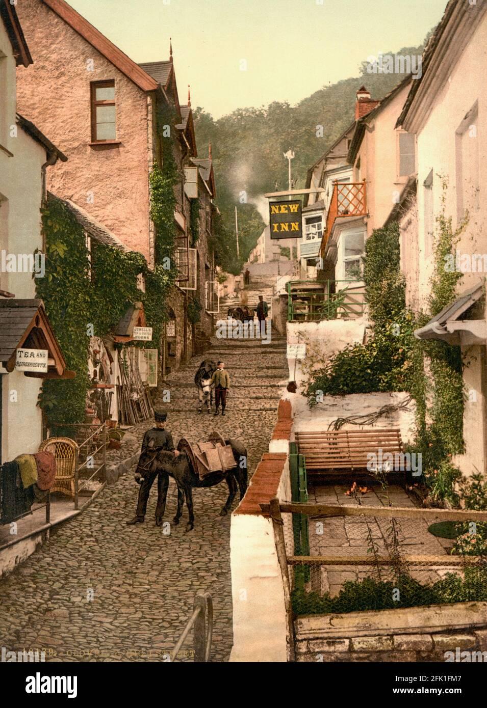 High Street, Clovelly dans Devon vers 1890-1900 Banque D'Images