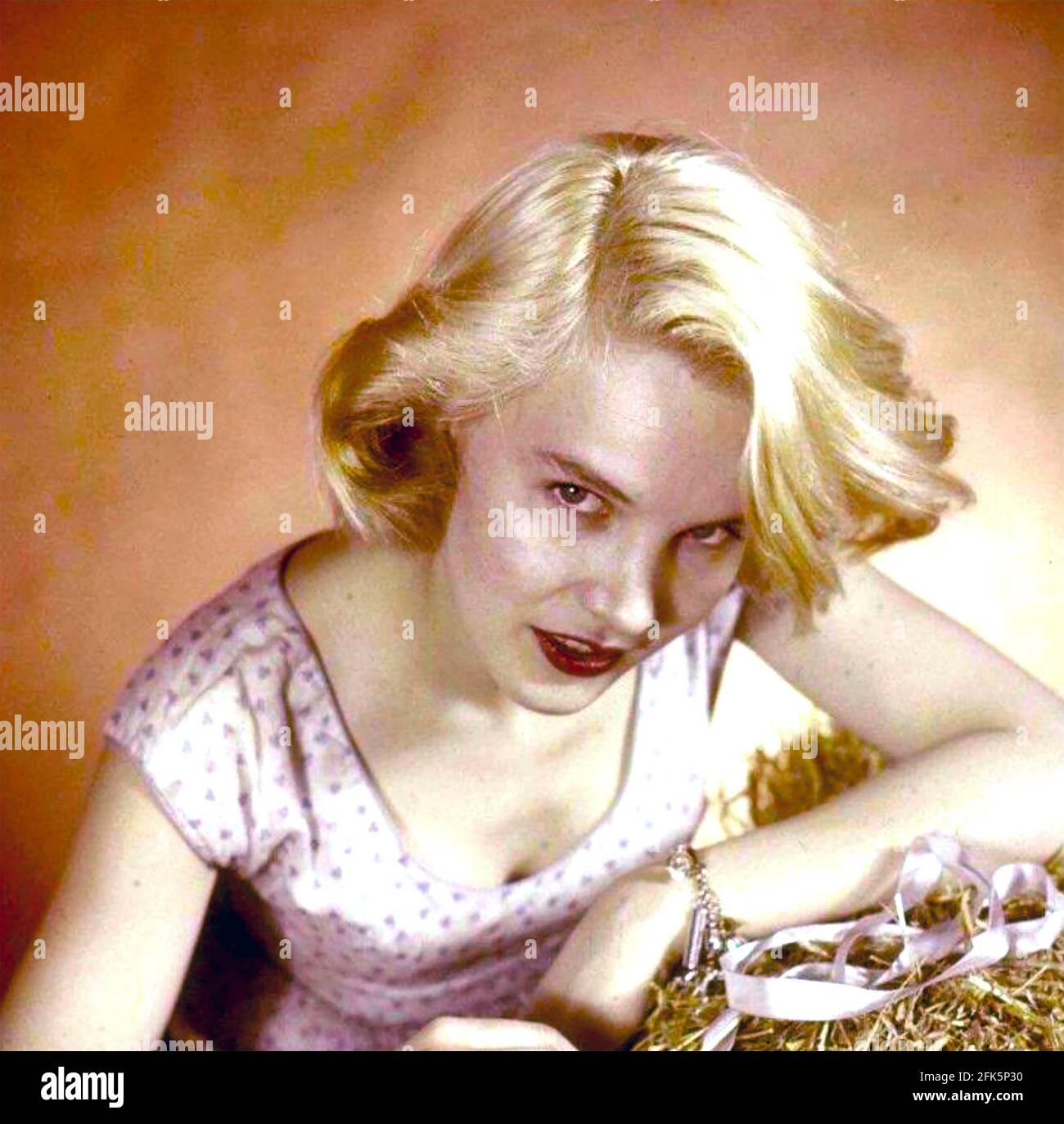 CARROLL BAKER actrice américaine de scène, de film et de télévision environ 1956 Banque D'Images