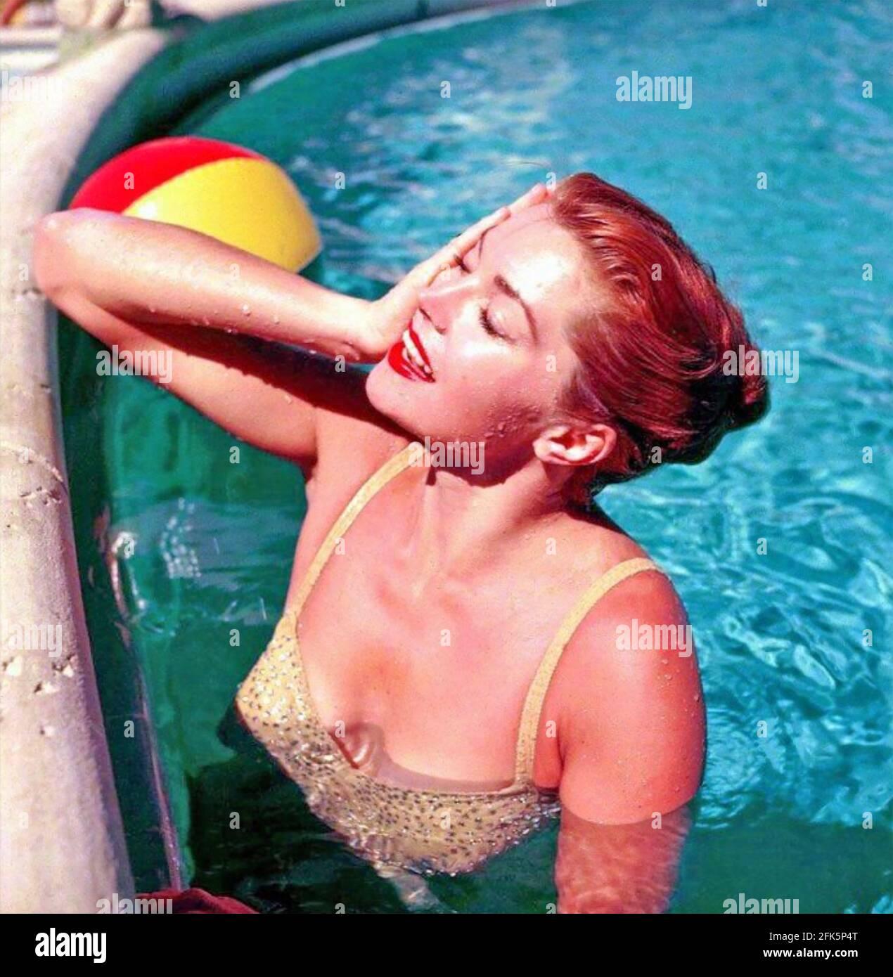 ESTHER WILLIAMS (1921-2013) nageur et actrice américaine vers 1955 Banque D'Images