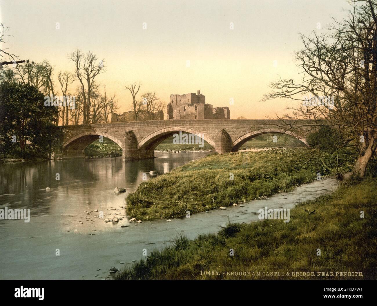 Château de Brougham, pont Eamont et rivière Eamont dans le district des lacs, Cumbria vers 1890-1900 Banque D'Images