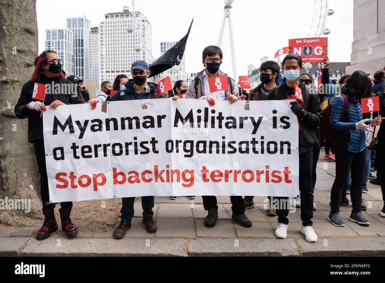 Londres, Royaume-Uni. 2 mai 2021. Global Myanmar protestation contre le gouvernement militaire du Myanmar et en faveur du gouvernement d'unité nationale Banque D'Images