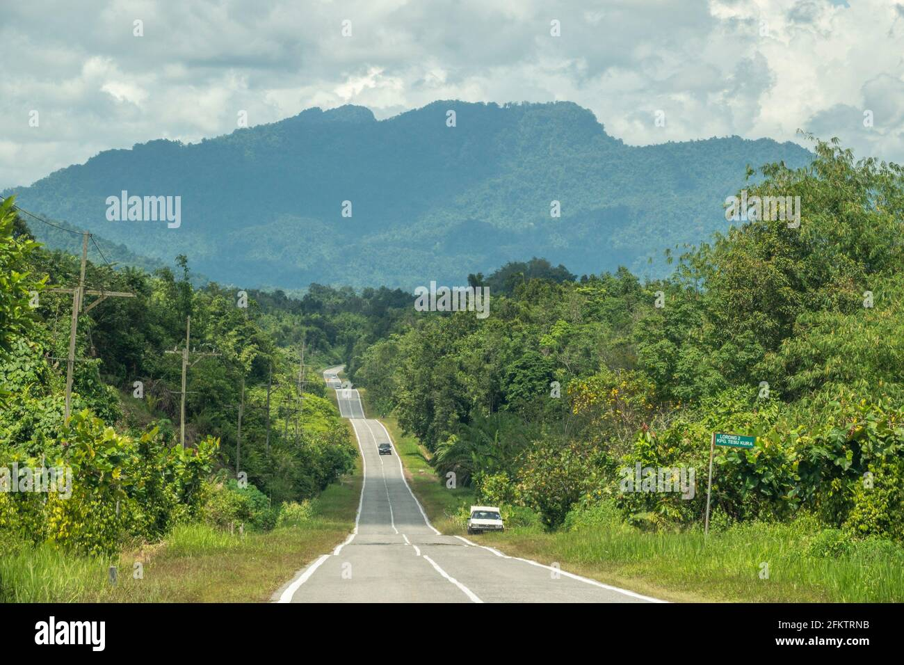 Route vers la ville de Tebedu, Serian, Sarawak, Malaisie orientale Banque D'Images