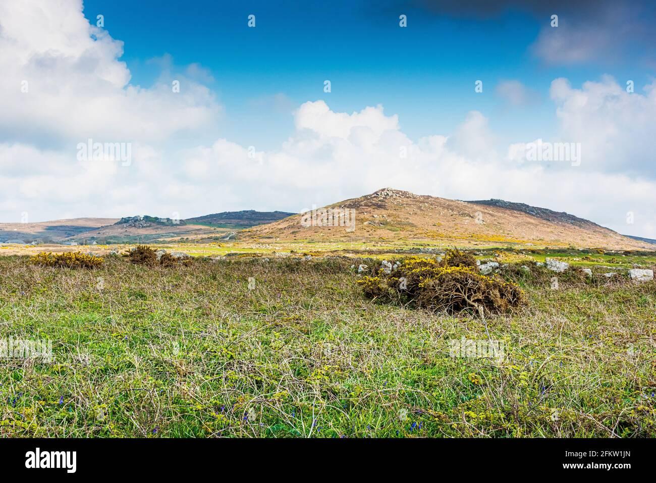 Paysage de Cornouailles avec la colline de Zennor dans la région de Penwith ouest de Cornwall. Banque D'Images