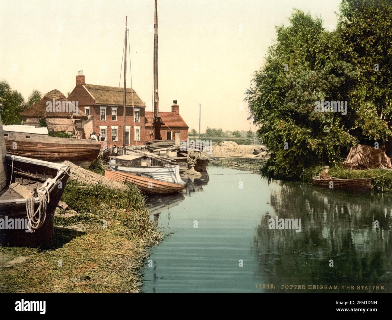 Potter Heigham Staithe et la rivière Thurne à Norfolk, vers 1890-1900 Banque D'Images