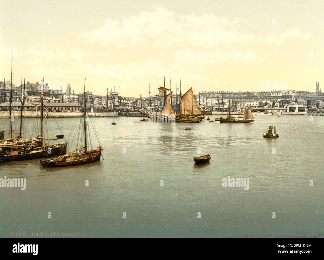 Ramsgate Harbour dans le Kent vers 1890-1900 Banque D'Images