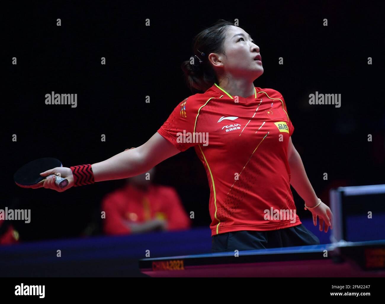 Xinxiang, province chinoise du Henan. 5 mai 2021. Liu Shiwen réagit lors du quart de finale féminin contre Zhu Yuling lors des essais de Grand smashes et de la simulation olympique de WTT (World Table tennis) 2021 à Xinxiang, dans la province de Henan, dans le centre de la Chine, le 5 mai 2021. Credit: Li Jianan/Xinhua/Alamy Live News Banque D'Images