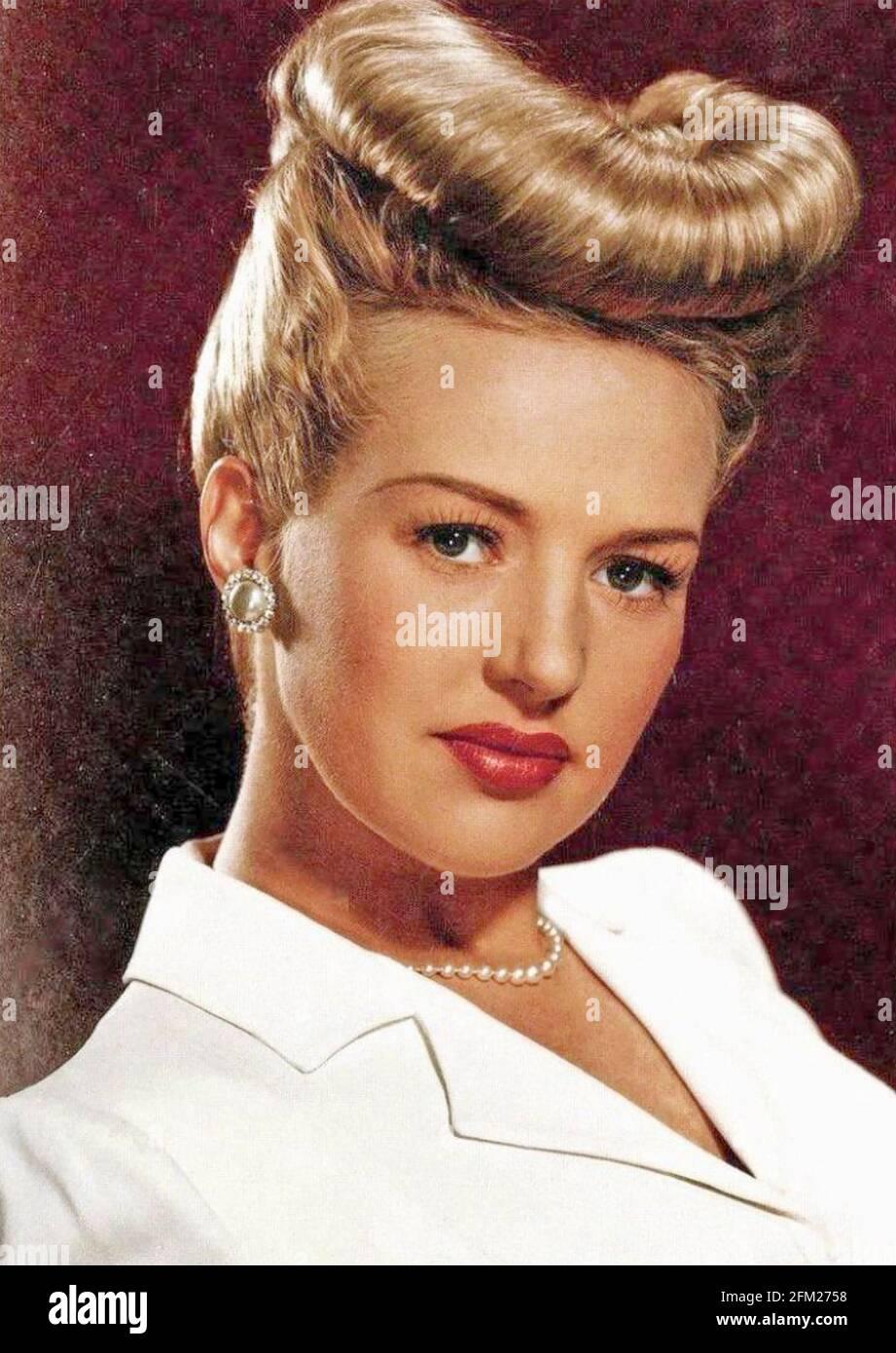 BETTY GRABLE (1916-1973) actrice et chanteuse américaine vers 1943 Banque D'Images