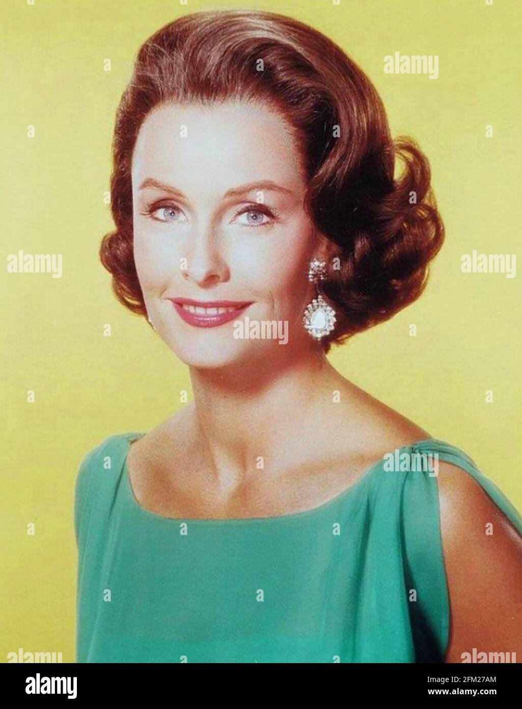 DINA MERRILL (1923-2017) actrice et femme d'affaires américaine vers 1970 Banque D'Images