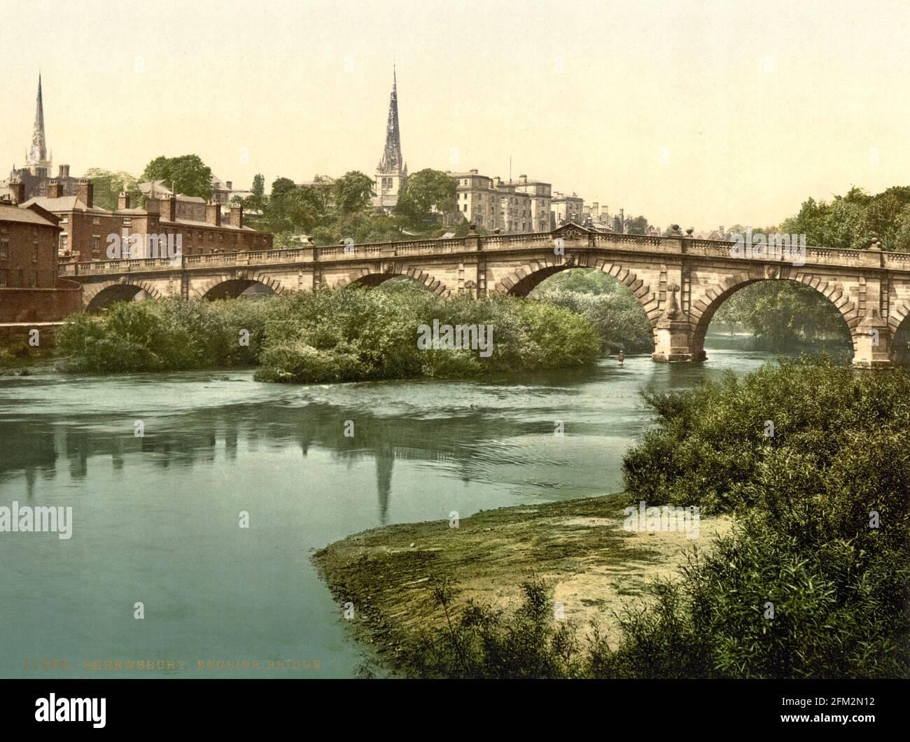 English Bridge et la rivière Severn à Shrewsbury Shropshire vers 1890-1900 Banque D'Images
