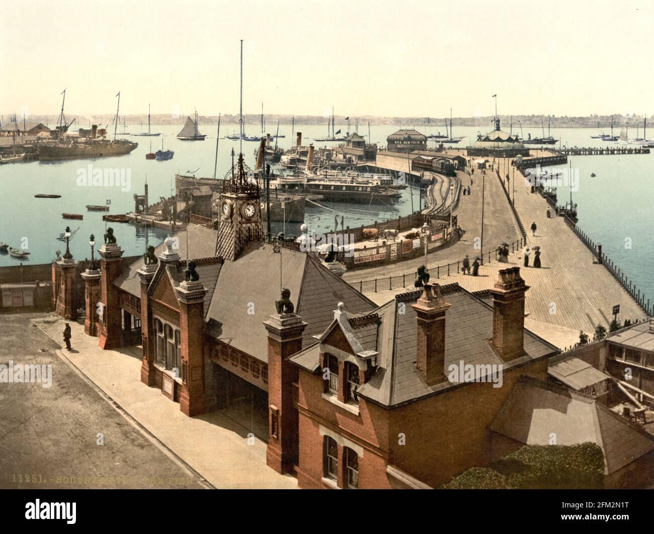 Southampton Royal Pier (anciennement Victoria Pier) et Harbour, Hampshire vers 1890-1900 Banque D'Images