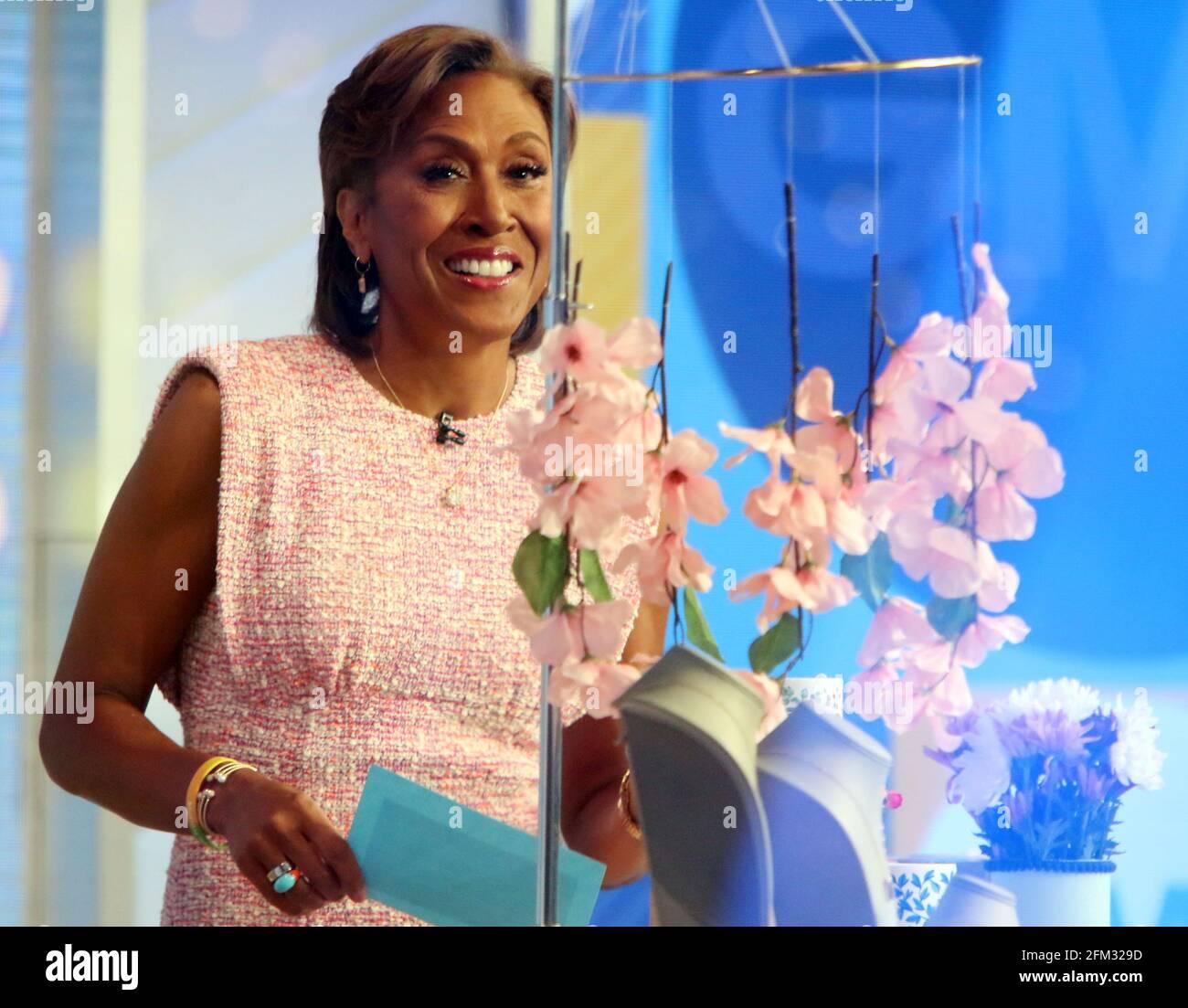 New York, NY, États-Unis. 5 mai 2021. Robin Roberts sur le set de Good Morning America à New York le 05 mai 2021. Crédit : RW/Media Punch/Alamy Live News Banque D'Images