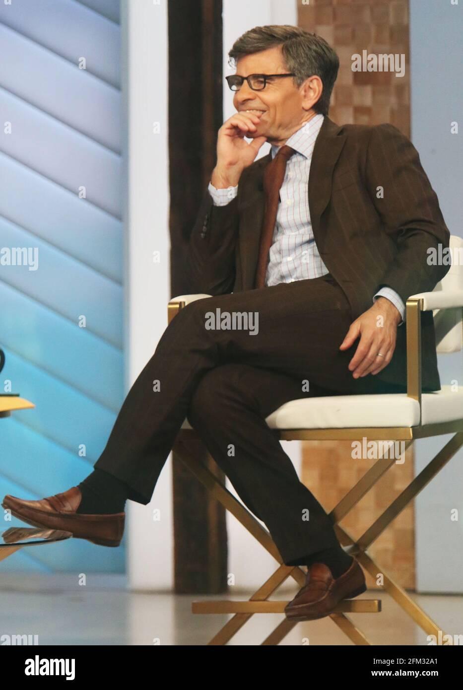 New York, NY, États-Unis. 5 mai 2021. George Stephanopoulos, sur le set de Good Morning America à New York le 05 mai 2021. Crédit : RW/Media Punch/Alamy Live News Banque D'Images
