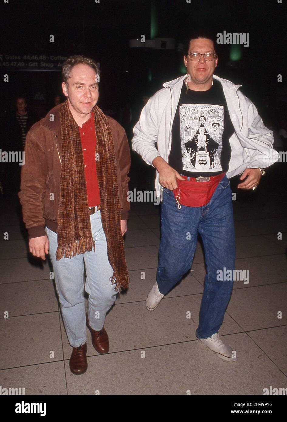 Penn & Teller à l'aéroport international de Los Angeles à Los Angeles, Californie, le 21 février 1992 crédit : Ralph Dominguez/MediaPunch Banque D'Images