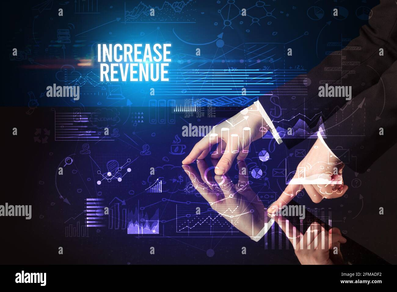 Homme d'affaires touchant le concept d'écran géant Banque D'Images