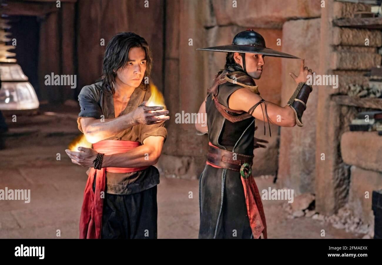 MORTAL KOMBAT 2021 Warner Bros. Images film avec Ludi Lin à gauche et Max Huang Banque D'Images