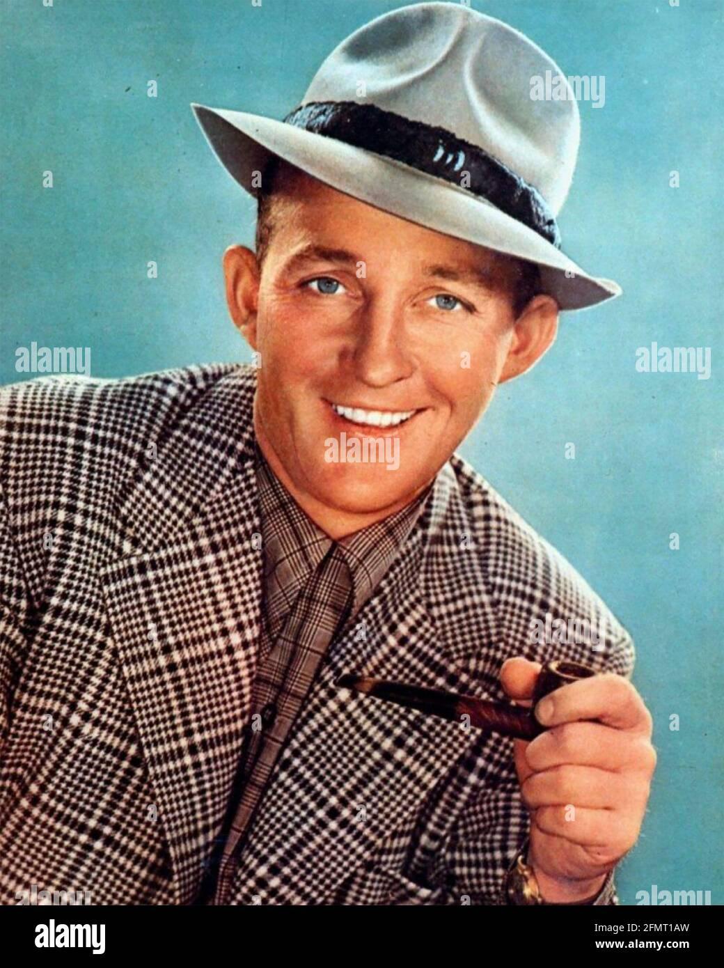 BING CROSBY (1903-1977) américain, chanteur et acteur de cinéma vers 1942. Photo: StarPix Banque D'Images