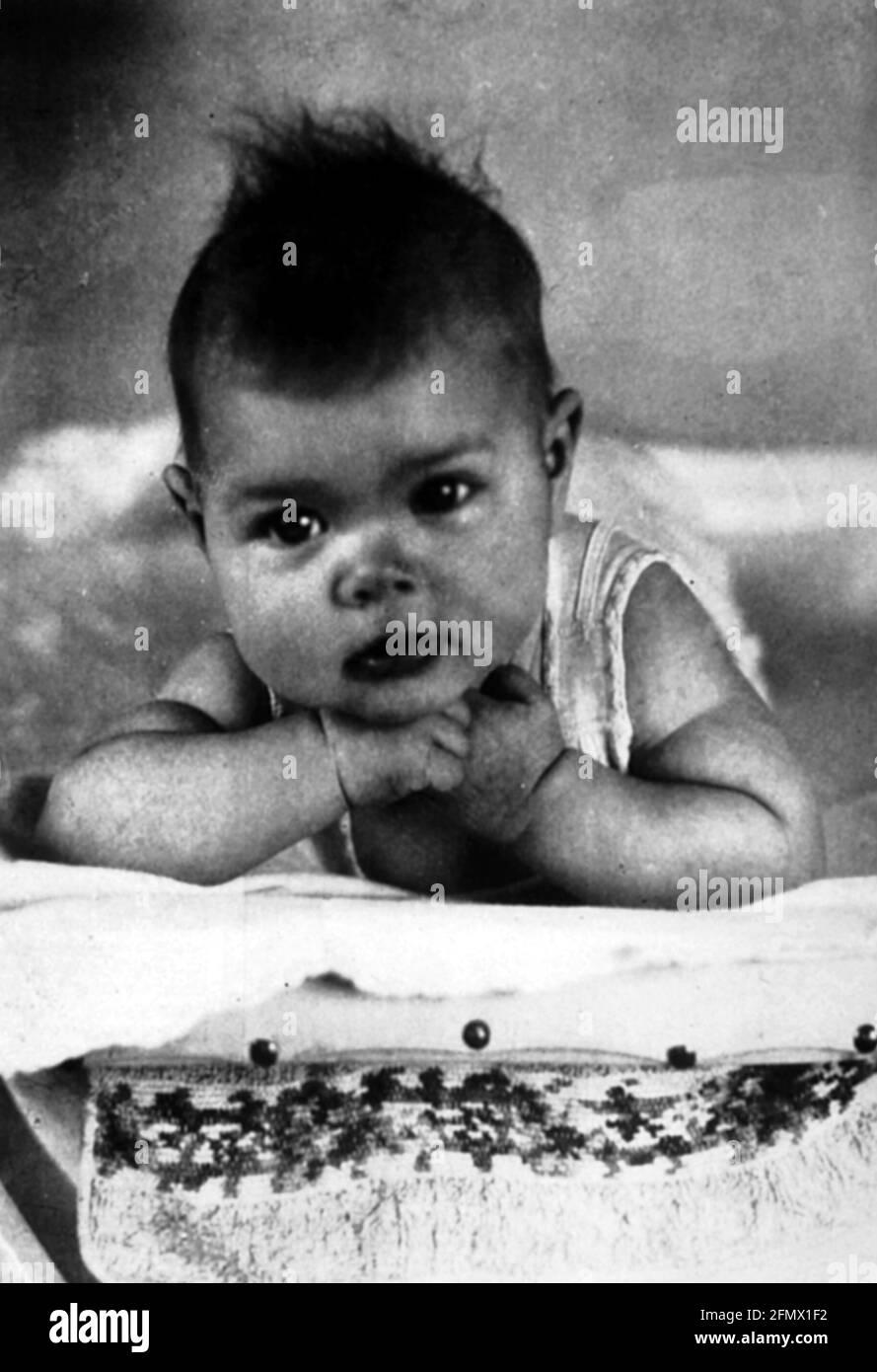 Kelly, Grace, 12.11.1929 - 14.9.1982, actrice américaine, demi-longueur, IMAGE ENFANT, DROITS-SUPPLÉMENTAIRES-AUTORISATION-INFO-NON-DISPONIBLE Banque D'Images