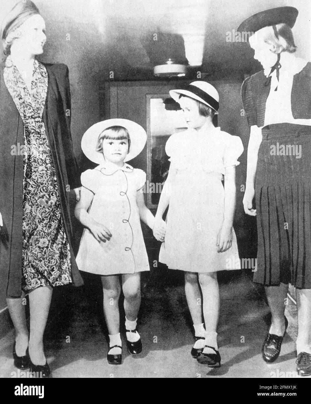 Kelly, Grace, 12.11.1929 -14.9.1982, actrice américaine, avec ses sœurs Lizanne, (* 1933), Peggy, DROITS-SUPPLÉMENTAIRES-AUTORISATION-INFO-NON-DISPONIBLE Banque D'Images